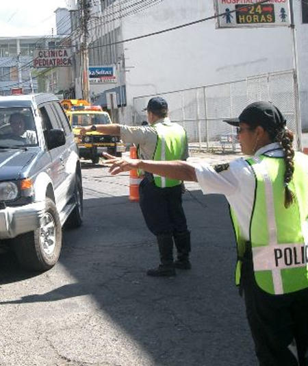 Foreigners MUST BE LEGAL RESIDENTS To Drive in Costa Rica