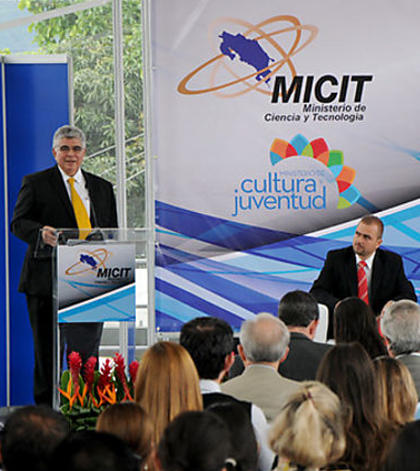 Only 571 Costa Ricans Have A Doctorate