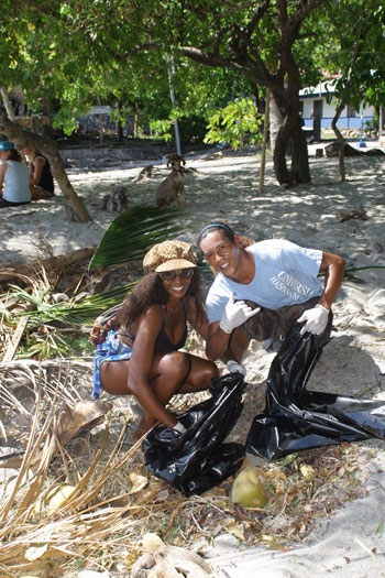 Samara Beach Cleanup Gathered 250 Pounds