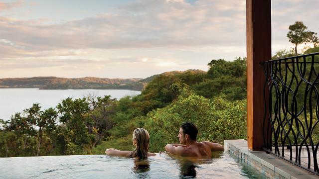 130115112004-costa-rica-four-seasons-papagayo-pool-horizontal-gallery