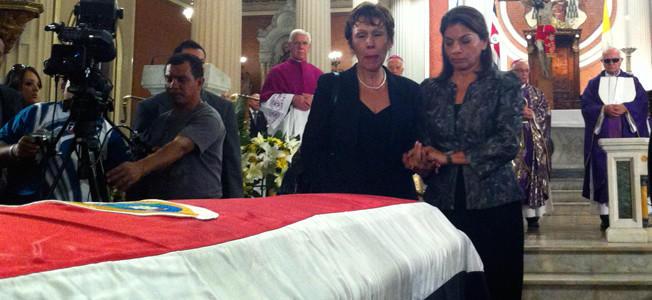 Feretro-funeral-Luis-Paulino-Mora-652x300