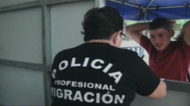 162581_policia-migracion-241212