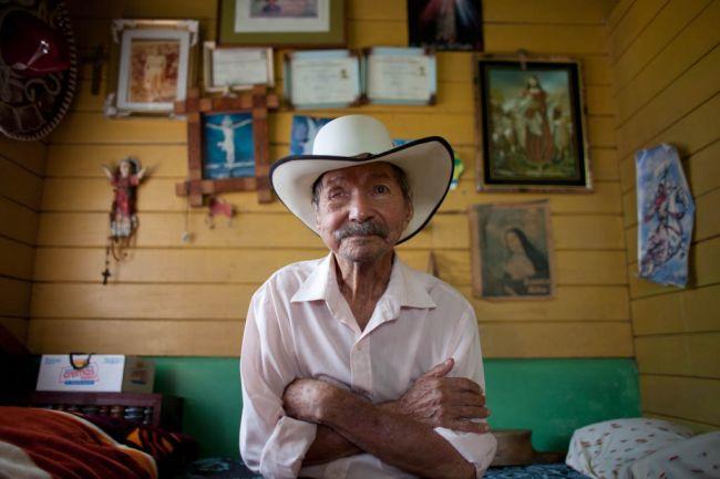 costa-rica-elderly-2011-03-29-07