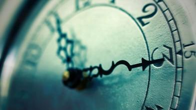 gty_daylight_savings_tips_clock_jef_130308_wb