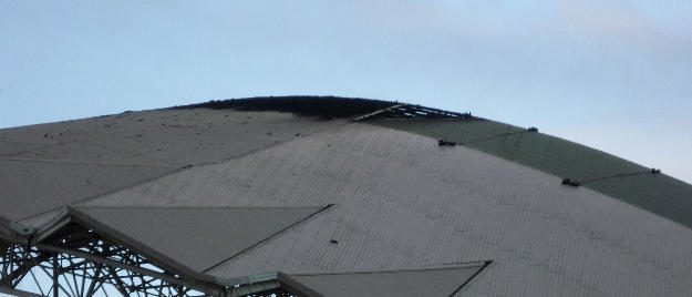 The roof at 6:25am this morning. /Photo: QCOSTARICA.COM
