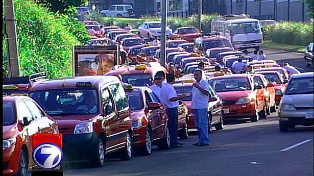 162871_protesta-taxistas-zapote-g