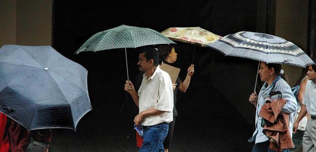 Rain in downtown San Jose. 03-29-06