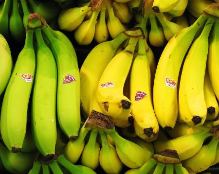 Imported Bananas From Costa Rica Big Hit With Foreigners In Costa Rica Supermarket