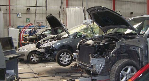 car_repairs_workshop_large