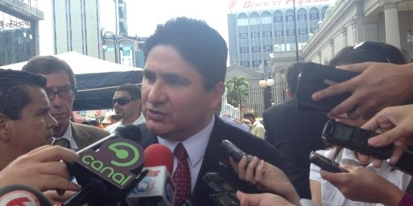 MOPT Minister Pedro Castro, amid Independence Day celebrations in San José, on Sunday said the Bailey will be gone from the Circunvalación in the coming days.