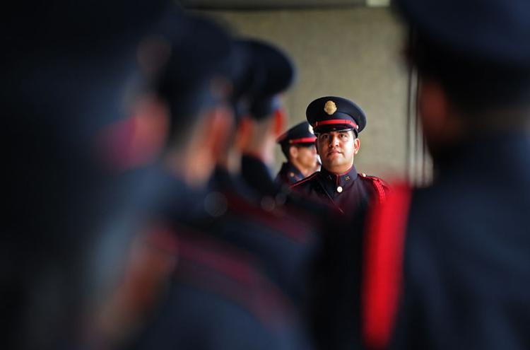 Guardia de Honor de la Fuerza Pública. Photo credit: Albert Marín, La Nacion