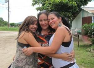 Génesis says she has two mothers now: Ana Acevedo y Shirley Gómez | Photo: La Teja, AUXILIADORA ZÚÑIGA PARA LT.