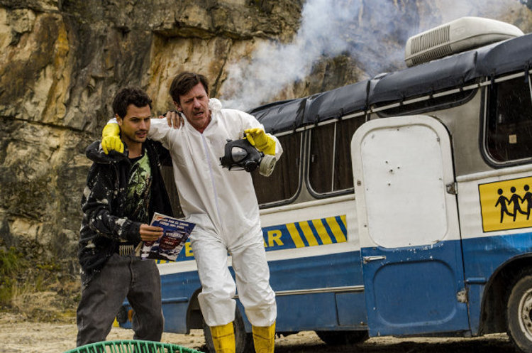 Diego Trujillo, who plays the lead, cooks his meth with Jose Miguel Rosas (Roberto Urbina) in a bus instead of a mobile home.