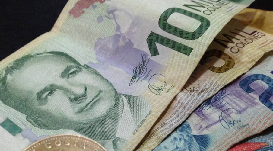 Cash Dominates As Payment In Costa Rica