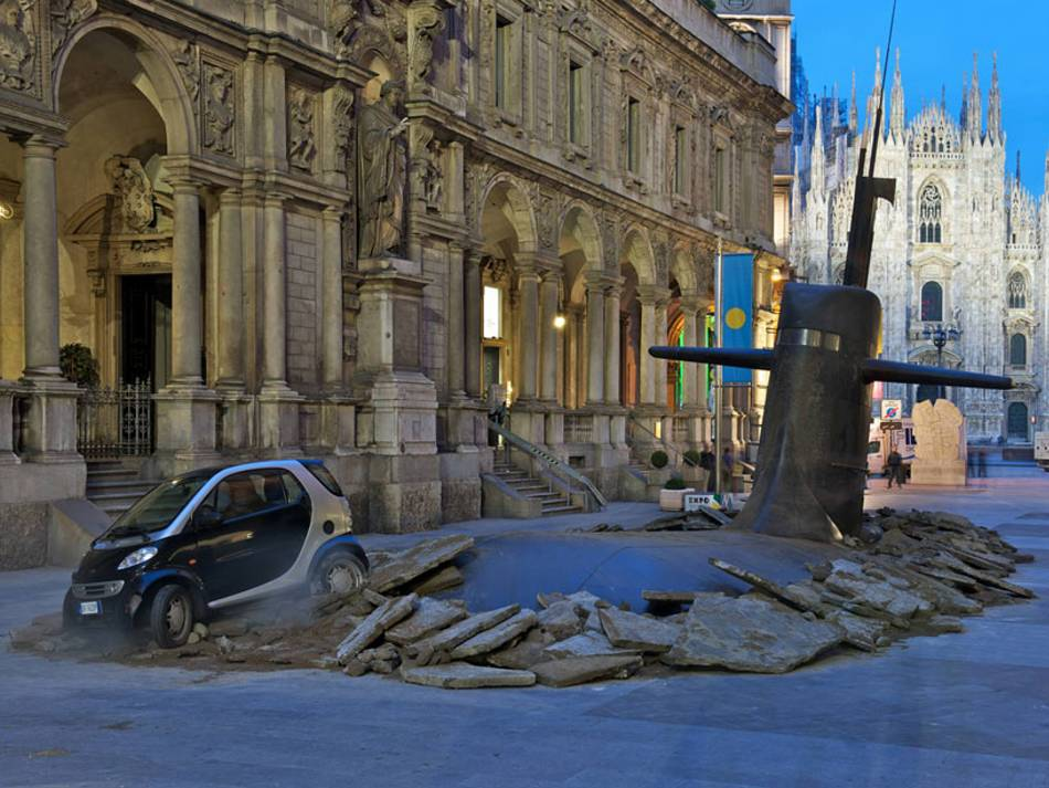 Today's Photo: Giant Submarine Pops Up in the Middle of Milan