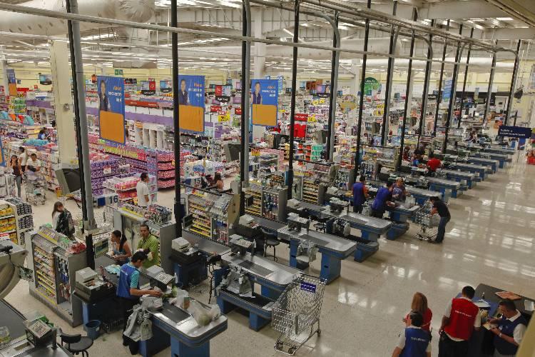 Actualmente-Walmart-Costa-Rica-locales_ELFIMA20130711_0003_1