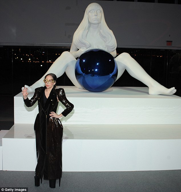 Remember whose party this is: ARTRAVE was filled with Jeff Koons statues of the diva