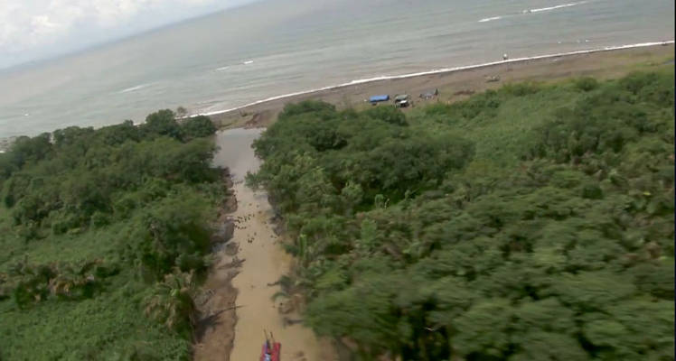 According to the claims by Costa Rica , the canals were created  in Costa Rican territory , in order to give the San Juan River a direct out to sea. The images were captured in September. | COURTESY MINISTERIO DE SEGURIDAD PÚBLICA.