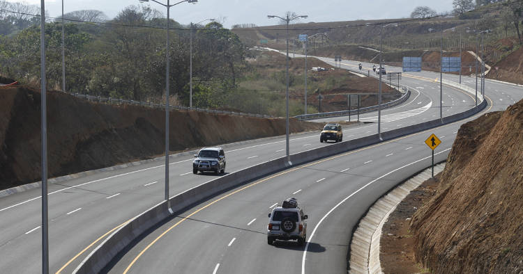 Lanamme-Ministerio_de_Obras_Publicas_y_Transportes-Asamblea_Legislativa-carreteras_ELFIMA20130925_0016_1