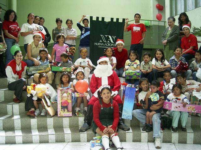 Christmas party for children from needy families, organized by the members of the New Acropolis centre in the Province of Cartago.