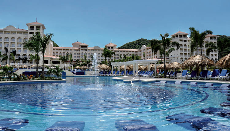Beach hotels like the Riu in Guanacaste are expected to do well this high season.