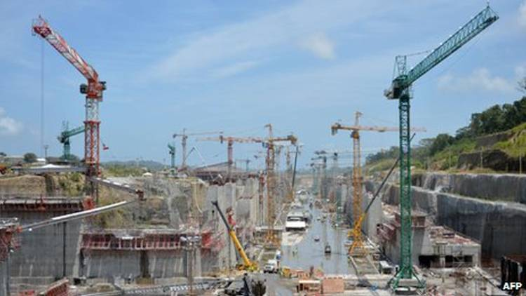 Panama Canal builders threaten halt to expansion