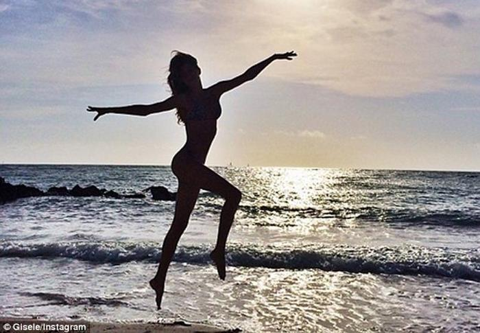 'That's a wrap!' Gisele in Costa Rica Frolicking on the Beach in a Bikini