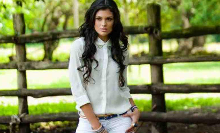 """Fabiana Granados: """"Nicoya's Queen Should Be Humble, Confident and Know How to Ride"""""""