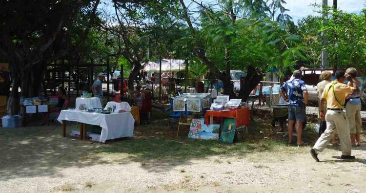 """Samara Organic Market Hosts """"Que Lindo"""" Art Fair"""
