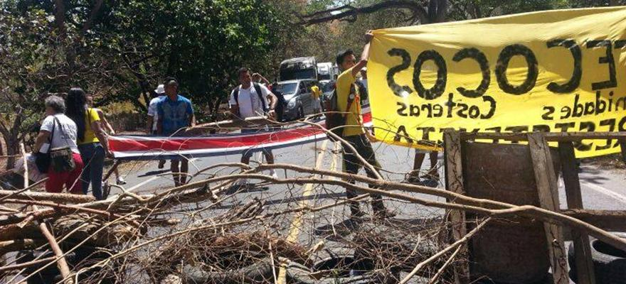 Eight Detained In Protests In The Zona Sur