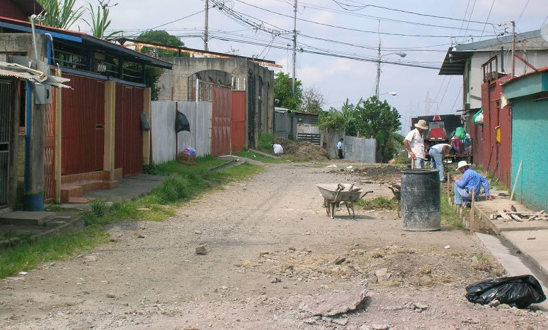 A typical street in La Carpio, San Jose, Costa Rica | Photo: