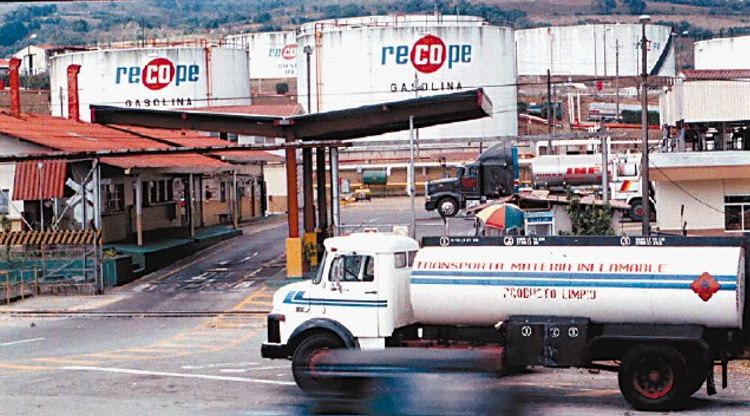 Costa Rica's Refinery Pays Out ¢100 Million Colones To Owners of Vehicles For Bad Gasoline