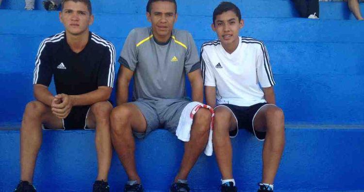 With Walter Centeno, Roger Mora (left) and Luis Ruiz Diaz (right)