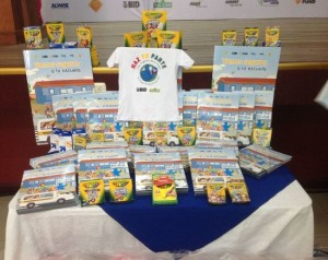 """Some 4,500 students whose schools are near Paso Ancho receive, starting this Thursday, a kit with educational material on road safety, in a project called """"Do your part""""."""