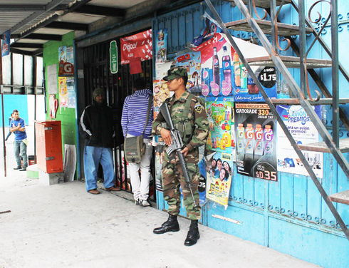 El Salvador: Extortion hits small business owners hard