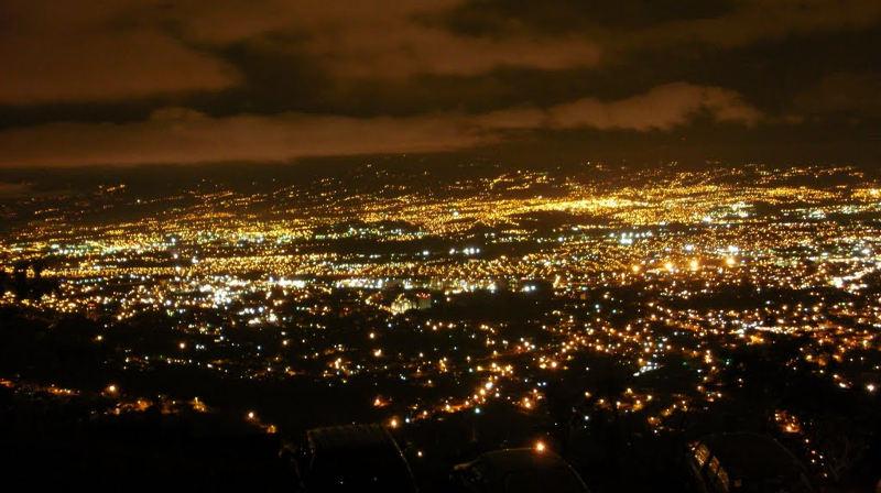 San José at night. | Photo: Panamorio
