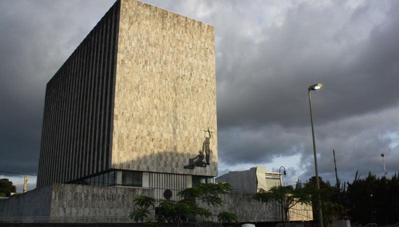 Poder Judicial building in downtown San José.