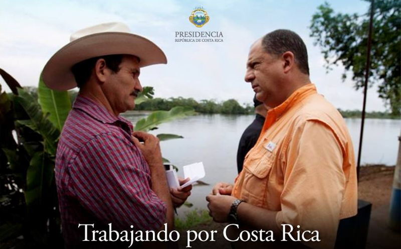 """""""Working for Costa Rica"""" is the title of the photo on the President's Facebook page, asking the people to allow him to enter their home Sunday night in a televised address. See the video below."""