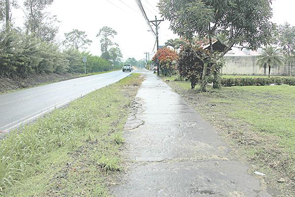 The area around La Fortuna park is pretty isolated at night.