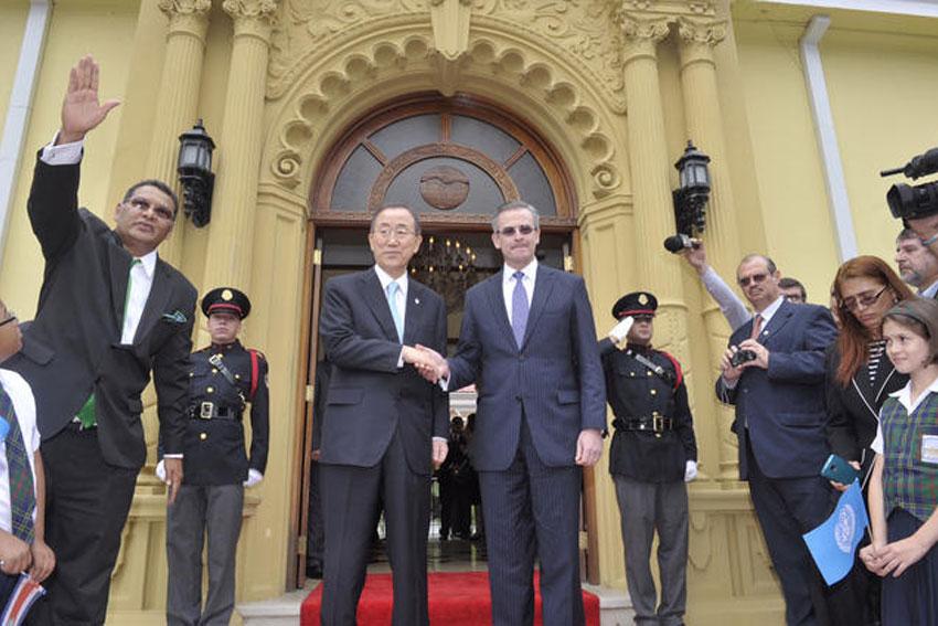 Secretary General meets the Foreign Minister of Costa Rica, 30 July 2014. UN Photo/Mark Garten