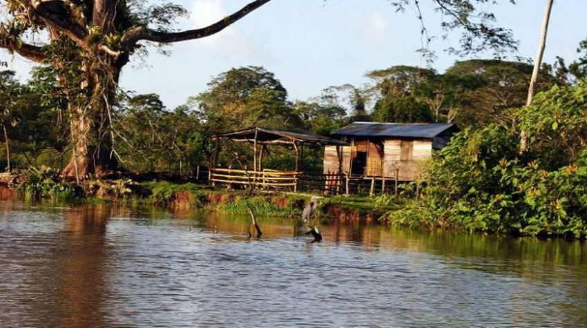 Border Crossing Costa Rica to Nicaragua by Boat. | Photo, Universal Traveller