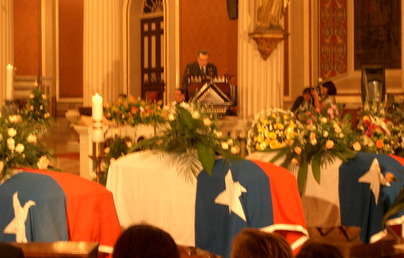 President Abel Pacheco (2002-2006) speaks a the funeral that took place at the Catedral Metropolitana. Photo: QCostarica