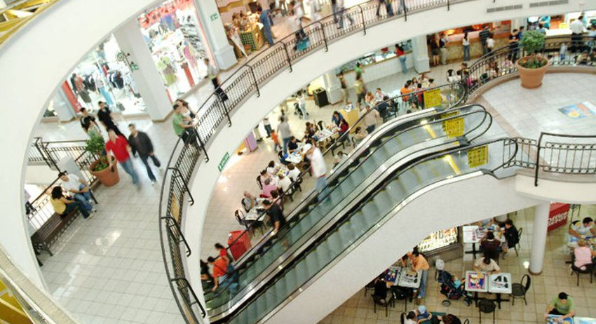 The Centro Comercial (Mall) Paseo de las Flores celebrates its 10th anniversary in November.