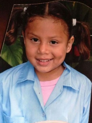 Yerelyn Guzman, the six year old missing since Friday in Santo Domingo de Heredia. Police are asking the public to call 911 with any information about the missing girl.