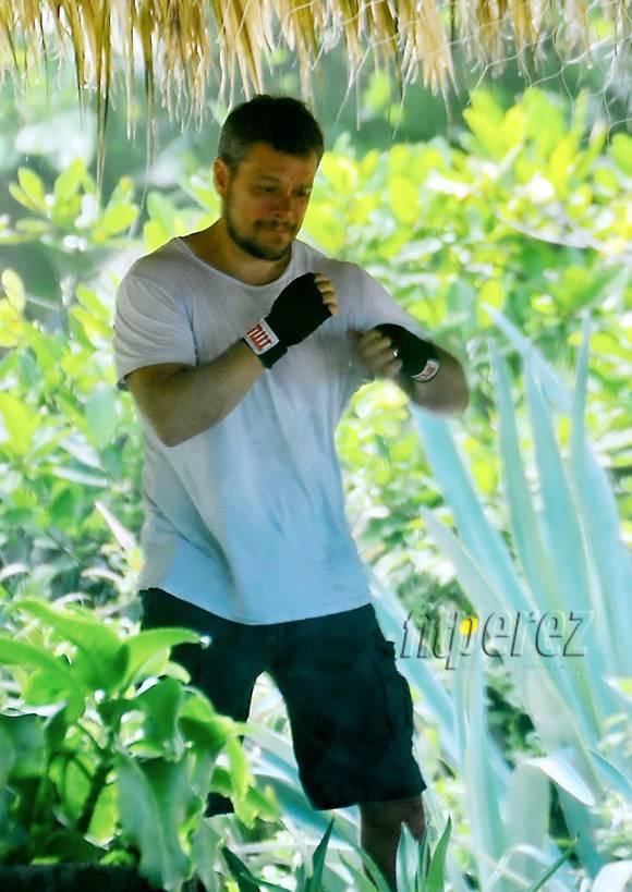 Matt Damon Brushes Up On His Boxing Skills In Costa Rica!