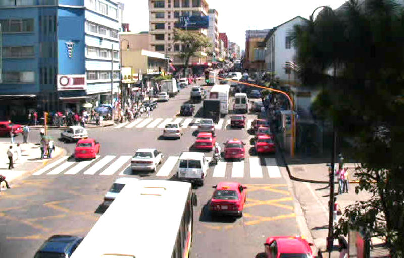 A panoramic view of the intersection in front of the San Juan de Dios hospital.