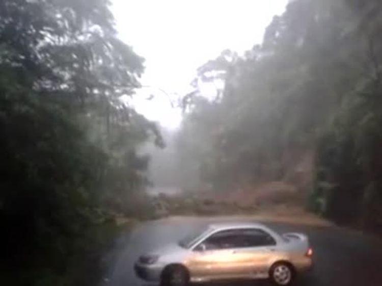 Photo of vehicle trapped on the Ruta 32 via Telenoticias.