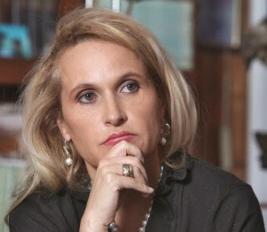 Ex-Controlora Sandra Morelli, now in Italy, is the most recent Colombian high official to flee to escape legal charges.