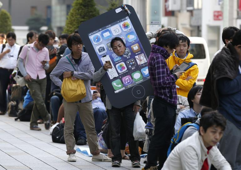 Big-Screen iPhone 6 Could Turn The 'Phablet' Into A Mainstream Product