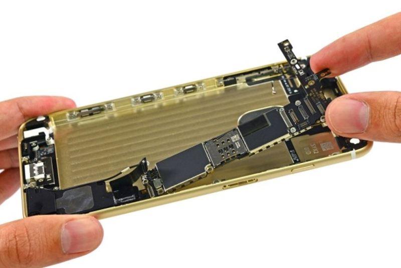iPhone6logicboard1-640x429